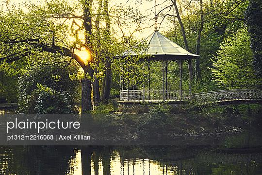 Pavillion on small island at dawn - p1312m2216068 by Axel Killian