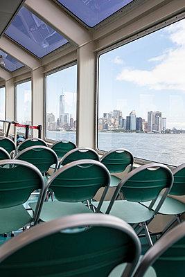 Skyline Sightseeing Boat - p1272m1582577 von Steffen Scheyhing