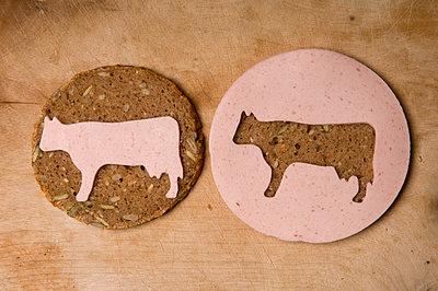 Wurst auf Brot - p4510784 von Anja Weber-Decker