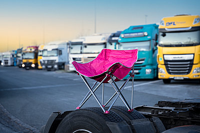 Germany, Bavaria, Rest area, Trucks and  Folding chair - p1275m2224715 by cgimanufaktur
