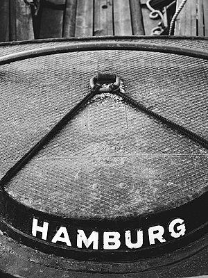 Heck einer Barkasse im Binnenhafen - p1493m1584564 von Alexander Mertsch