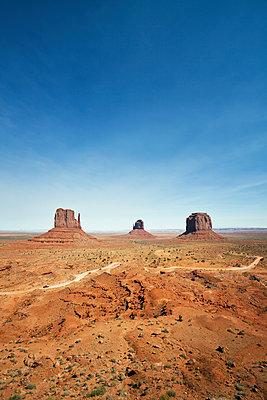 Monument Valley Nartional Park - p1525m2087238 von Hergen Schimpf