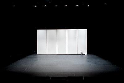 An empty theatre scene - p1610m2264141 by myriam tirler