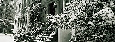 Snow covered steps of townhouse - p644m728716 by Anna Watson
