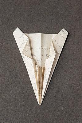 Paper airplane - p971m2278889 by Reilika Landen