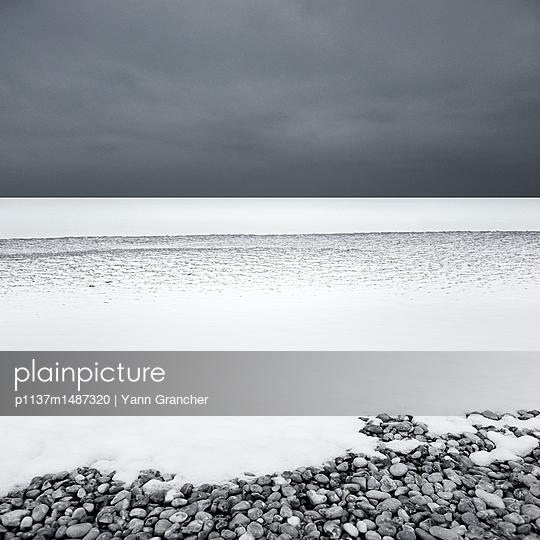 p1137m1487320 by Yann Grancher