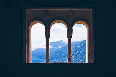 View on italian landscape - p1149m1572578 by Yvonne Röder