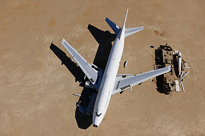 Boeing 747 scrap - p1048m1058609 by Mark Wagner