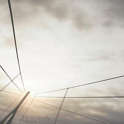Brücke - p1137m939544 von Yann Grancher