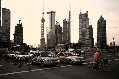 Traffic in Shanghai - p1980251 by David Breun