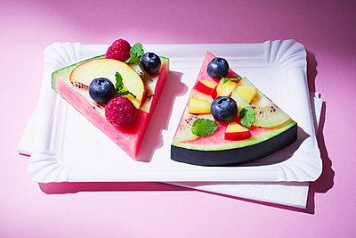 Melon pie - p1149m2089577 by Yvonne Röder