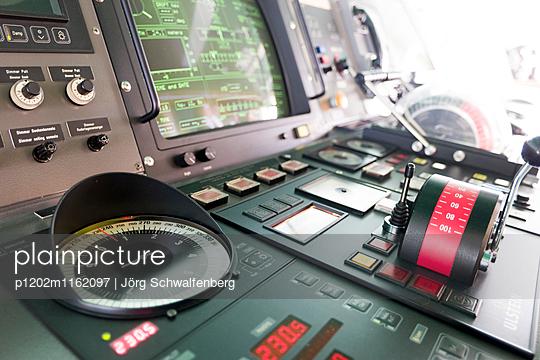 MS Deutschland - Traumschiff - p1202m1162097 von Jörg Schwalfenberg