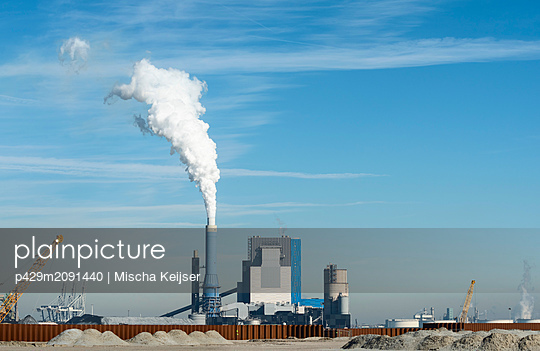 Coal fired power stations, Maasvlakte, Rotterdam, Zuid-Holland, Netherlands - p429m2091440 by Mischa Keijser