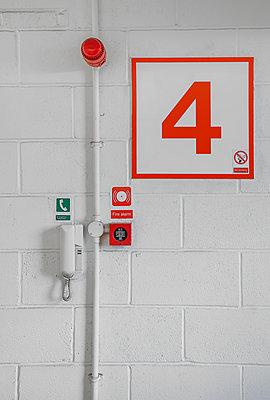 Feueralarmknopf - p1280m1149870 von Dave Wall