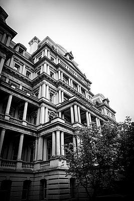 Eisenhower Office Building - p1272m1586754 von Steffen Scheyhing