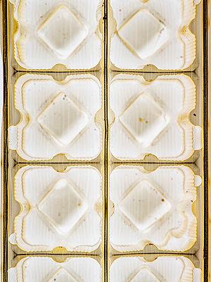 Schokoladenverpackung - p401m2185724 von Frank Baquet