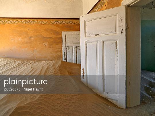 Namib - p6520575 by Nigel Pavitt