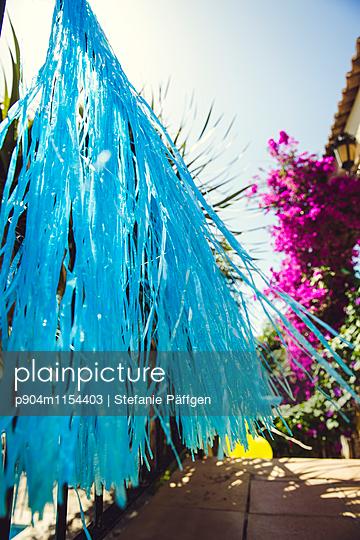 Blauer Flitter - p904m1154403 von Stefanie Neumann