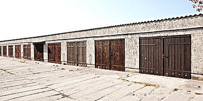 Garages - p1092m879865 by Rolf Driesen