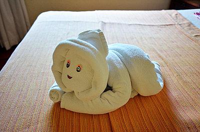 Baby made of towels - p322m938850 von Kimmo von Lüders