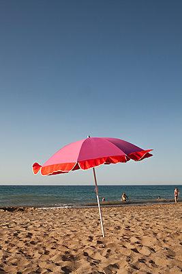 Day at the beach - p454m2045184 by Lubitz + Dorner