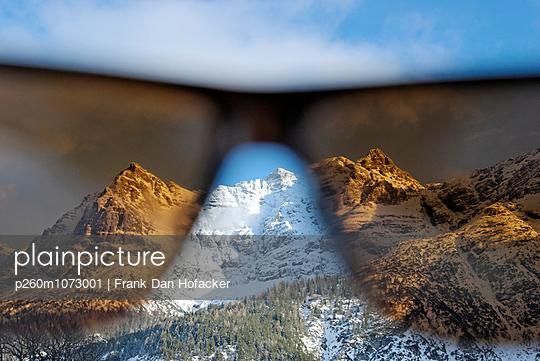 Durch die Brille - p260m1073001 von Frank Dan Hofacker