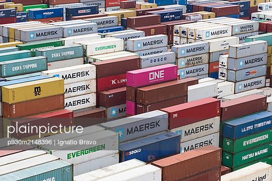 Cargo container - p930m2148396 by Ignatio Bravo