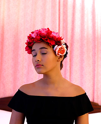 Girl with a crown of flowers - p1521m2128974 by Charlotte Zobel