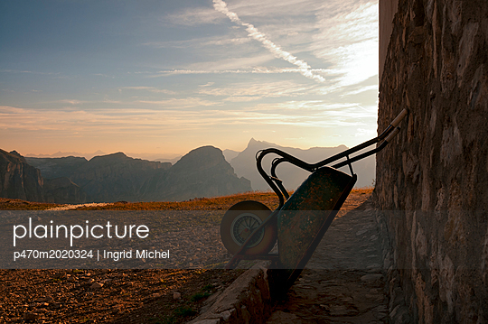 Pisciadùhütte bei Sonnenaufgang - p470m2020324 von Ingrid Michel