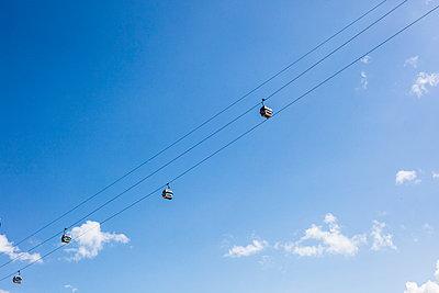Cable Cars London - p1082m1466470 by Daniel Allan