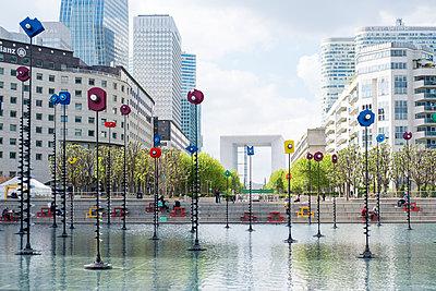 France, Paris, The Grand Arche - p1437m2161025 by Achim Bunz