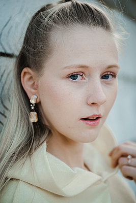 Portrait of teenage girl with blonde hair - p1628m2210748 by Lorraine Fitch