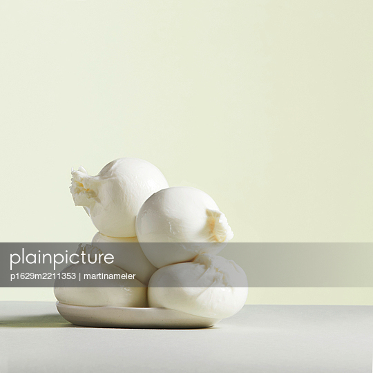 Dumplings - p1629m2211353 by martinameier