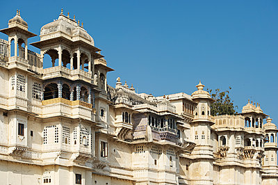 City Palace complex in Udaipur - p1259m1111482 by J.-P. Westermann