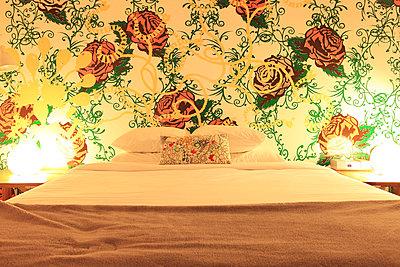 Gemachtes Bett - p0452851 von Jasmin Sander