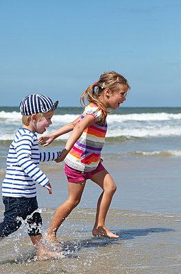 Tag am Strand - p2490618 von Ute Mans