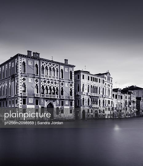 Venezia - p1256m2098959 by Sandra Jordan