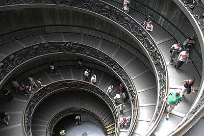 Wendeltreppe im Vatikan - p277m729237 von Dieter Reichelt