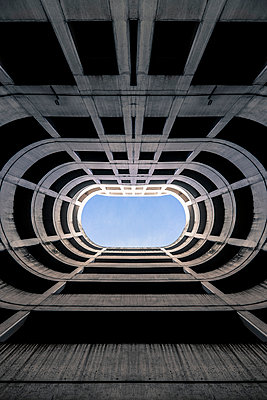 Futuristic structure - p1228m1044270 by Benjamin Harte