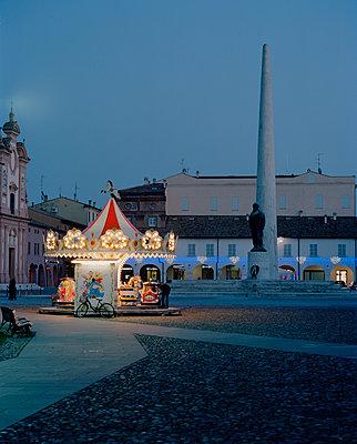 Lugo at night - p1683m2272039 by Luisa Zanzani