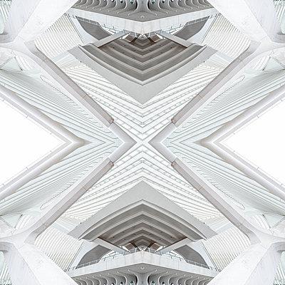 Abstract kaleidoscope pattern Liège-Guillemins station in Liège - p401m2207484 by Frank Baquet