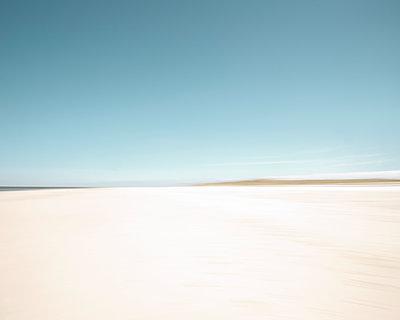 Abstrakte Standansicht auf der Nordseeinsel Amrum - p1162m1502389 von Ralf Wilken