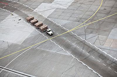 Flughafen - p1250m1050302 von werner bartsch