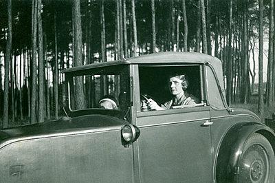 Ausflug mit dem Auto um 1930 - p171m1491839 von Rolau