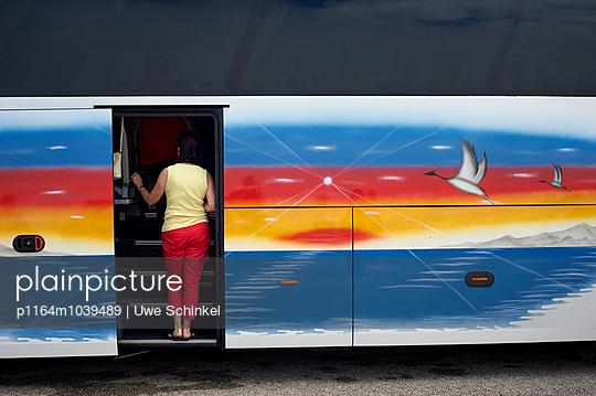 Reisebus - p1164m1039489 von Uwe Schinkel