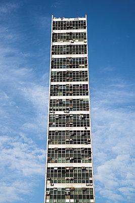 Skyscraper - p1170m1090758 by Bjanka Kadic