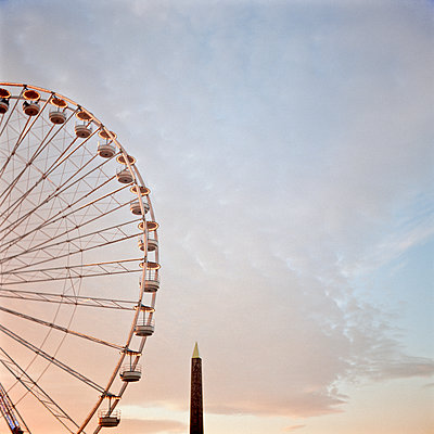 Ferris wheel - p1269m1091636 by Sari Poijärvi