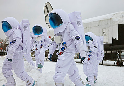 Astronauts - p390m813061 by Frank Herfort