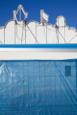 Blau mit Weiß - p993m758835 von Sara Foerster