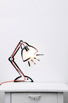 Schreibtischlampe - p237m852062 von Thordis Rüggeberg